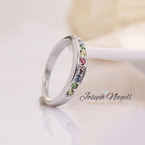 Eljegyzési gyűrű színes Swarovski kristállyal